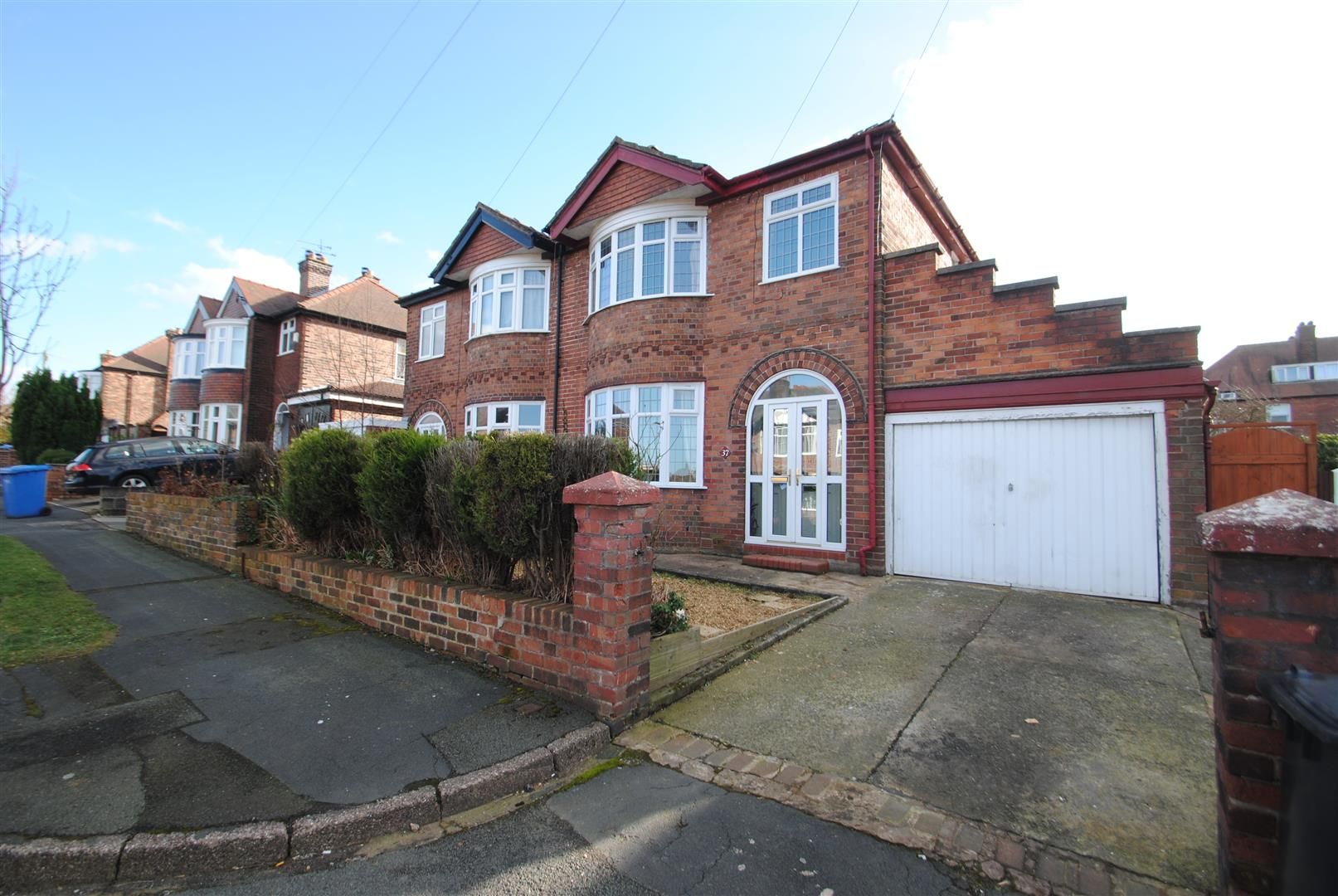 3 Bedrooms Semi Detached House for sale in Stetchworth Road, WALTON, Warrington, WA4